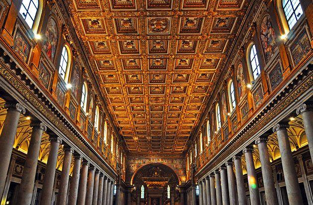 Золотой потолок базилики Санта Мария Маджоре в Риме работы Джулиано Ди Сангалло.