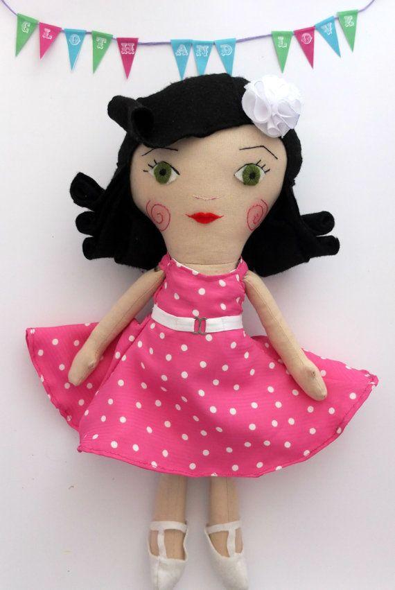 Pin up Sewing Pattern PDF Pin Up Doll Softie por ClothandLove