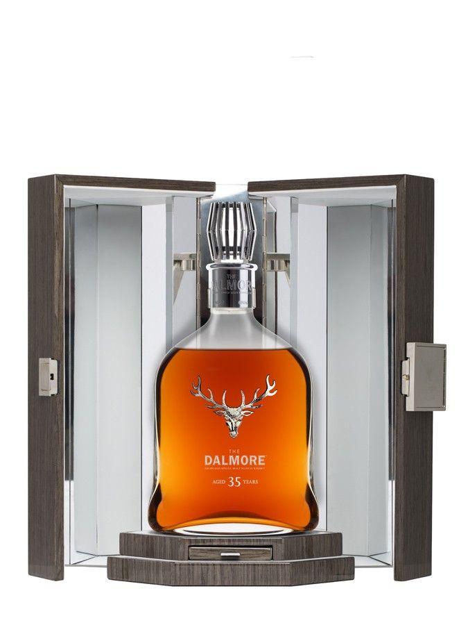 DALMORE 35 ans Ce Dalmore a vieilli dans trois types de fûts utilisés ayant contenu du Bourbon, du Xérès et du Porto durant…35 ans.