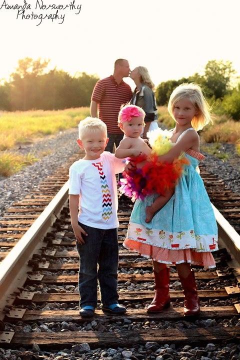 family pic Great idea!(minus the extra kiddo lol)