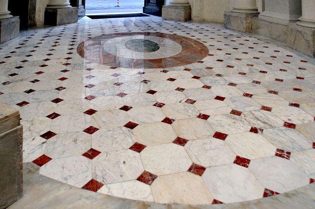 pavimento in marmi policromi-stuccati e lucidati