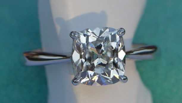 Perfect cushion solitaire