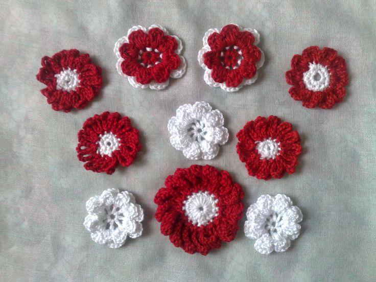 Rote Häkelblumen-Set 10-rote und weiße gehäkelte Blumen Applikation-Sommermode-nähen-häkeln-gehälelte Blumen-Verzieren von Kinderkleidung von HaekelshopSetervika auf Etsy