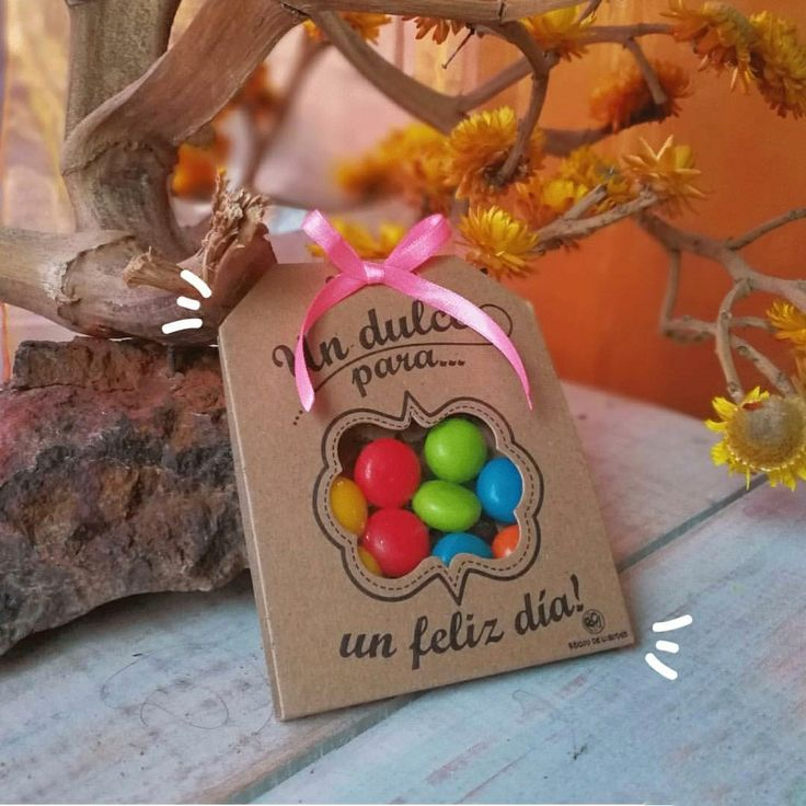 Detalle de dulces para regalar Christmas Bulbs, Favors, Birthday Cake, Party Ideas, Baby Shower, Candy, Holiday Decor, Crafts, Fashion
