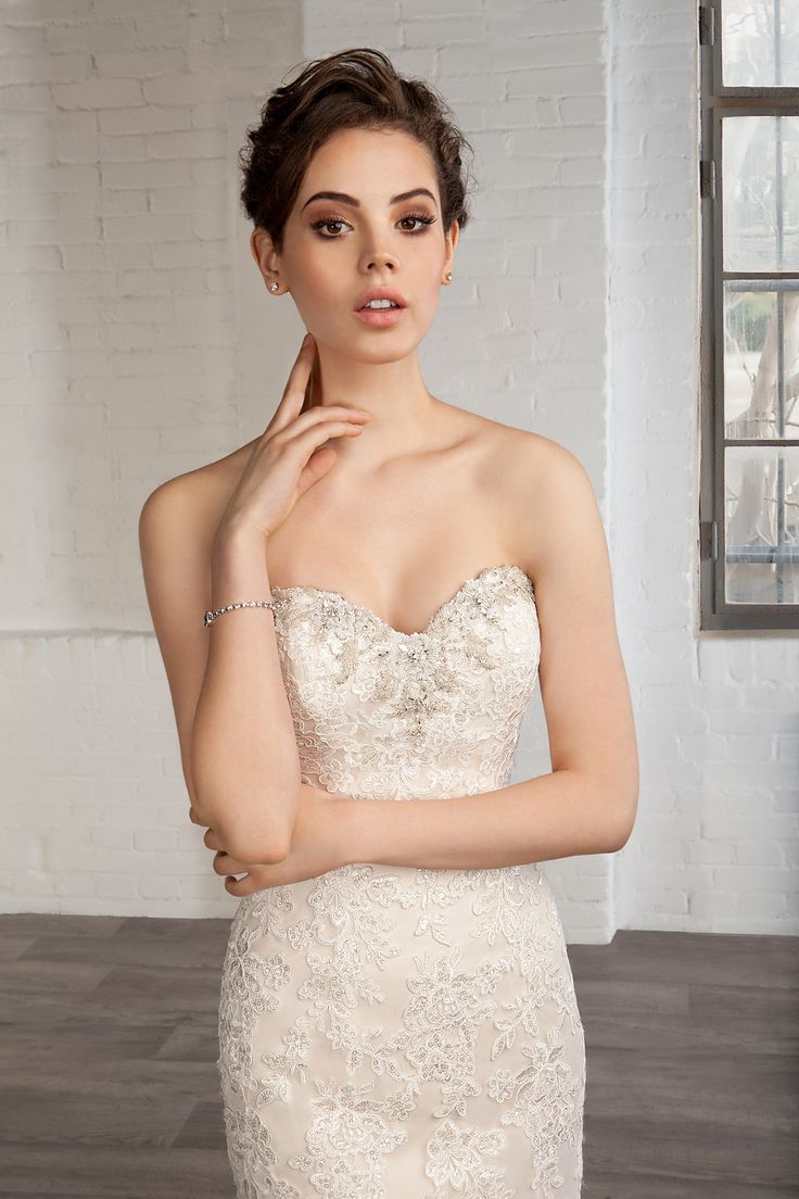 49 best Brautkleider images on Pinterest | Short wedding gowns ...