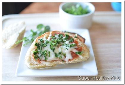 Homemade Pizzas with baby greens or #microgreens for our topping!