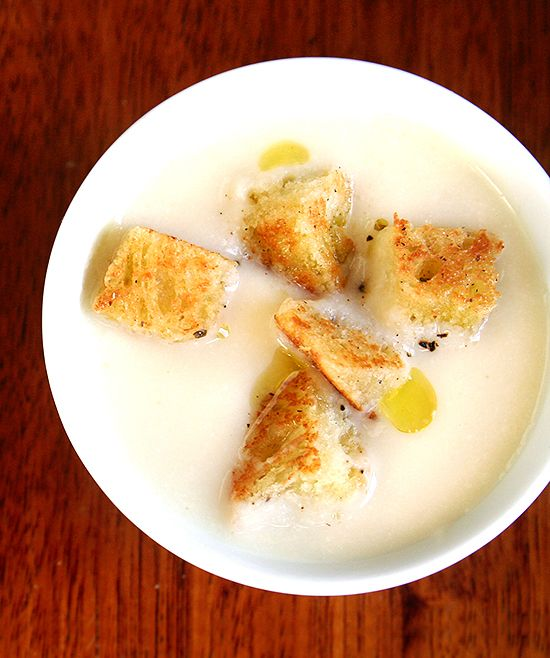CREMA DE COLIFLOR Y MANZANA (cauliflower and apple soup)