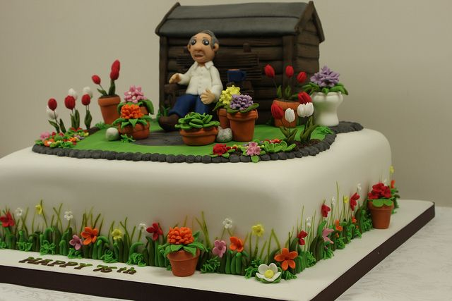 Garden Cake Side Detail by Kingfisher Cakes, via Flickr