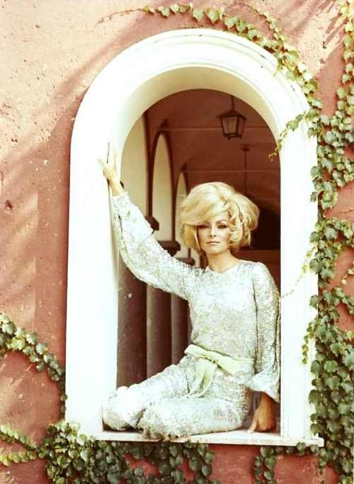 "Virna Lisi, she starred opposite Jack Lemmon in 1965's ""How To Murder Your Wife"""