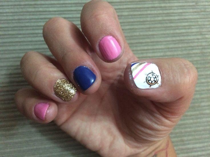 Sailors wheel nail art