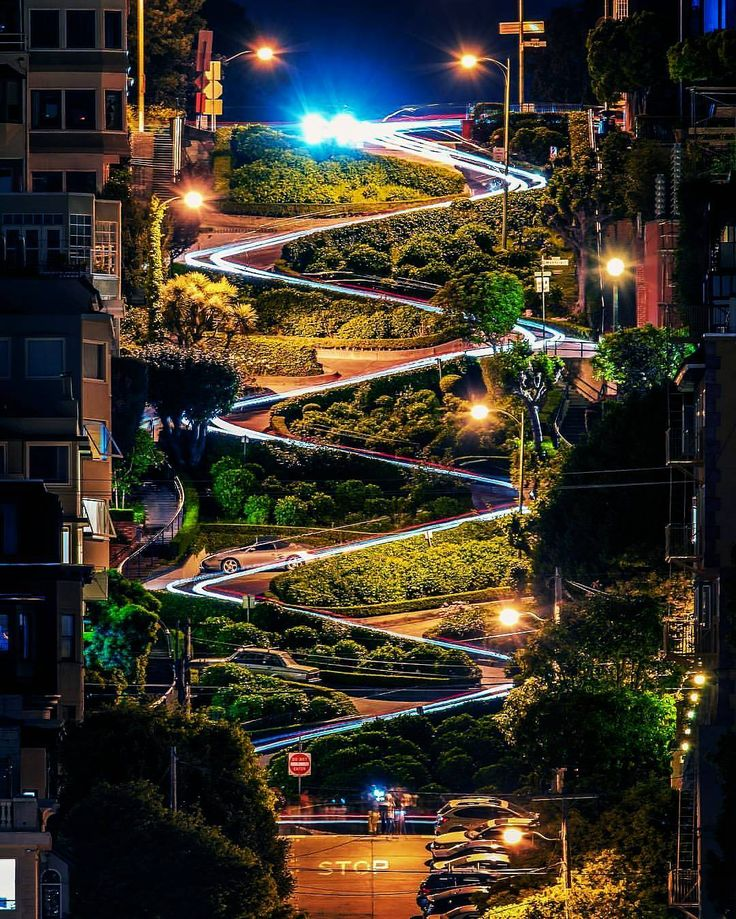 Lombard Street, San Francisco 🌎 . . ➖➖➖➖➖➖➖➖➖➖➖➖➖ #sanfrancisco #indonesia #philippines #wanderlust #usa #canada #greece #interlaken #switzerland #landscape #thailand #fujifilm #australia #vscocam #gopro #stunning #singapore #wcw #perfection #storm #luxury #dope #nyc #nikon #canon #outdoors #nature #japan  #hawaii