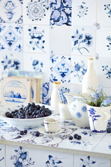 .Just love crazy, mismatched tiles in kitchens and bathrooms! Cool blue and white so fresh.