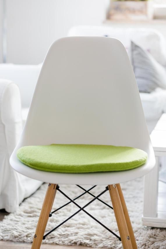 Eames Stuhlkissen Seat Cushion For Eames Chair In Apple Green | Eames