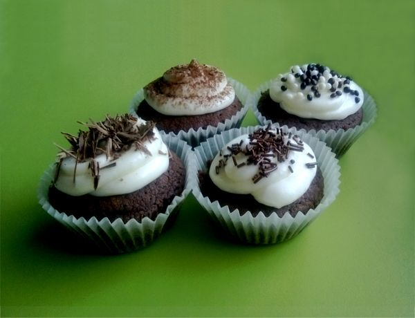 Chocolate cupcakes with mascarpone cream frosting