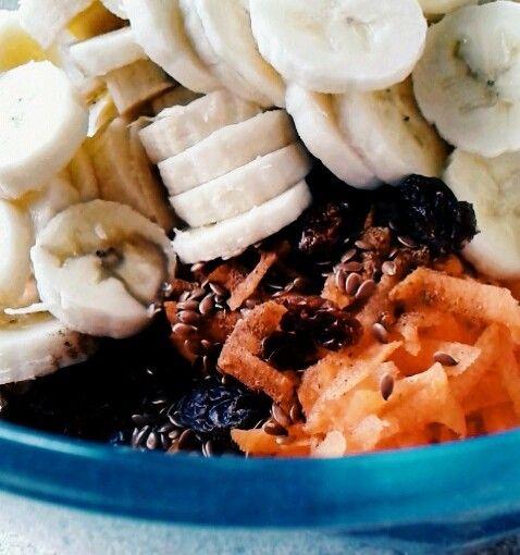 Dieta oczyszczająca - surówka z marchewki i bananów