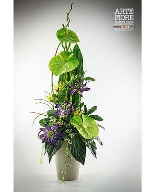 Composizione di fiori artificiali con Anthurium e Passiflora - Cerca con Google