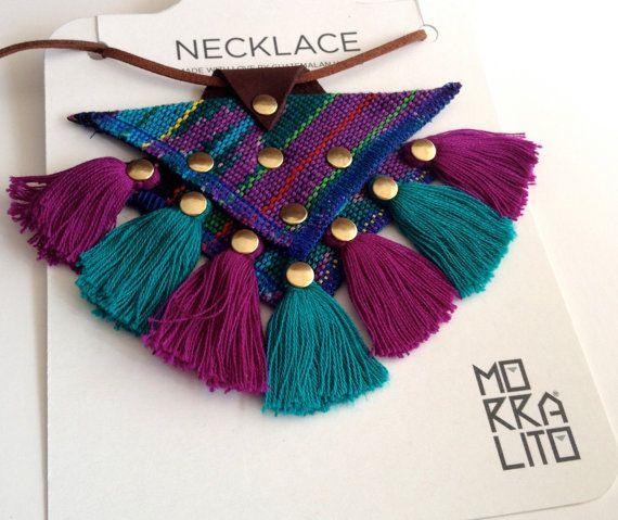 Collar Guatemalteco hecho a mano de la tela