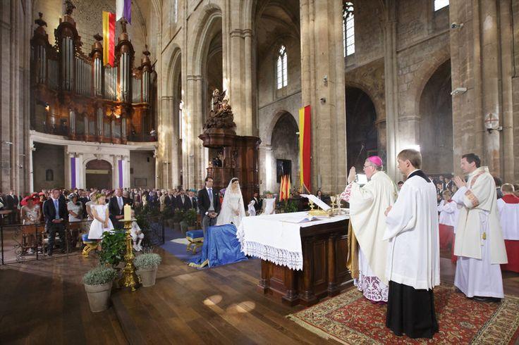 Mariage Princier: cérémonie religieuse à Saint-Maximin-la-Sainte-Baume, France. Cour Grand-Ducale de Luxembourg - Septembre 2013.  Look at this incredible church!