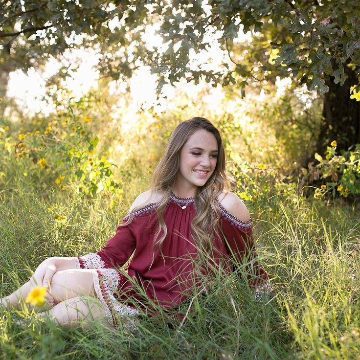 Everyone meet Heather! She's a senior at Argyle High School and is a beautiful young lady inside and out! Read up on Heather's senior session over on the Paisley Layne blog. #seniorsession #seniorsessions #seniorstyleguide #classof2017 -- http://ift.tt/2gAzDll