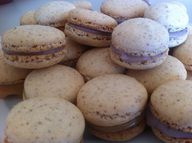 Macarons ❤❤ Finally back on track with those shells; I don't know why I ever deviated from the first recipe I used!