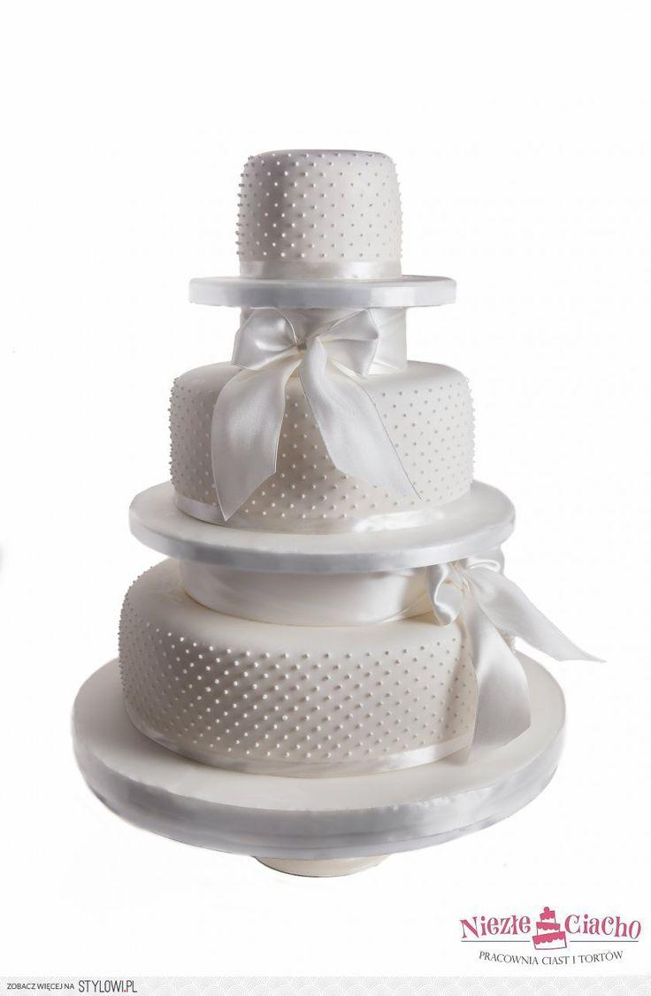 Biały piętrowy tort weselny, tort z kokardami, tort z kropkami, tort z perełkami, wesele, Tarnów
