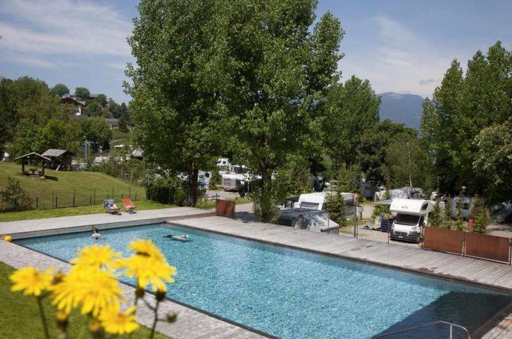 Campingurlaub mit Hund und Katze in Südtirol, Italien   Urlaub mit Hund: Camping, Lodges & Appartements Seiser Alm - Dolomiten - Italien - Südtirol...  #wandern #seiseralm #dolomiten #urlaubmithund #wandernmithund #hunde #hundeurlaub #hundefreundlich #italien #dolomiten #berge #huetten #urlaub #trekking #hiking #mountains #italy #alm #dogswelcome #camping #appartements #ferienwohnungen #schlafzimmer #ferien #ferienmithund #suedtirol #pool