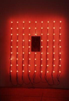 Christian Boltanski, Lumières, 2000