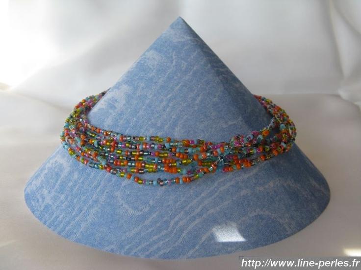 """Collier 8 fils en perles de rocaille. Fait à la main par """"Line et les perles""""."""