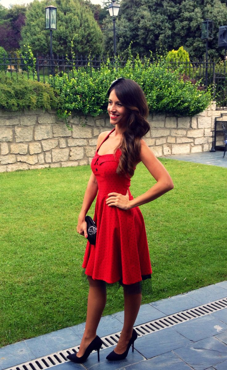 Pin up Style #lookretro #vintagedress #red #wedding