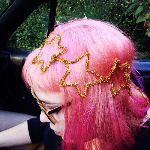 im digging the pipe cleaner star crown