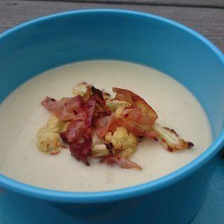 Blomkålsuppe med parmesanost, stekt blomkål og spekeskinke