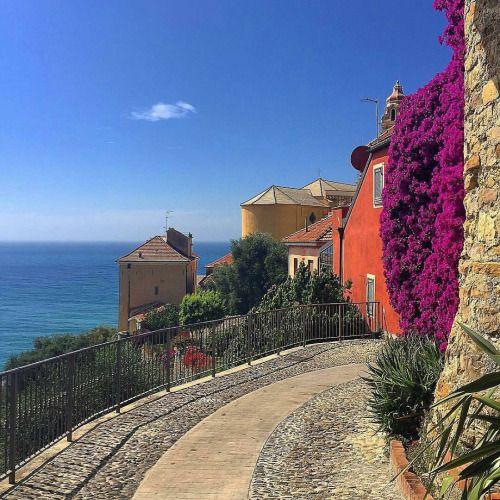 Liguria Cervo - beautiful road #TuscanyAgriturismoGiratola