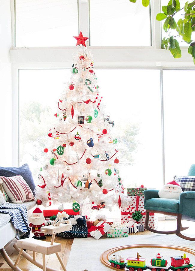 Discover The Key Elements To Achieve The Best Christmas Decoration Cool Christmas Trees Christmas Tree Decorations Best Christmas Tree Decorations