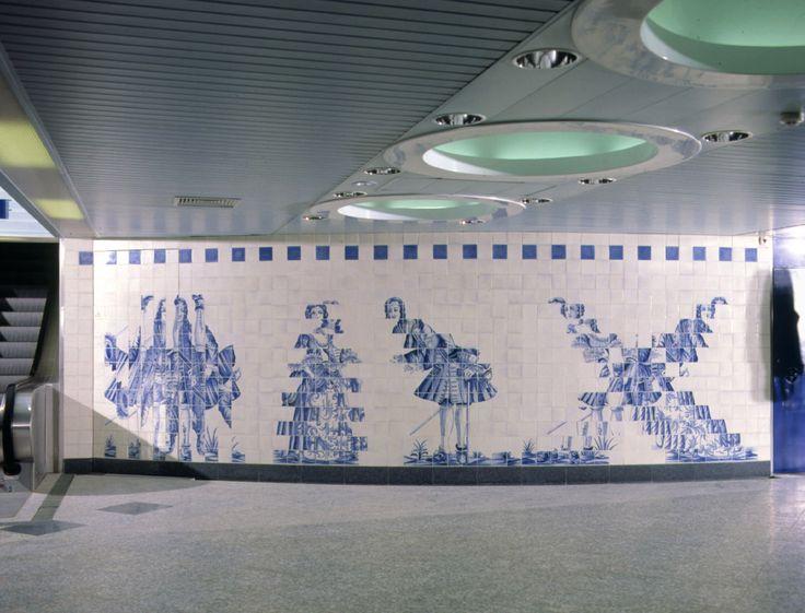 Eduardo Nery   Lisboa   Metropolitano de Lisboa / Lisbon Underground   Estação / Station of Campo Grande   1983-1993 [© Arquivo Eduardo Nery] #Azulejo #AzulejoDoMês #AzulejoOfTheMonth #EduardoNery #Lisboa #Lisbon