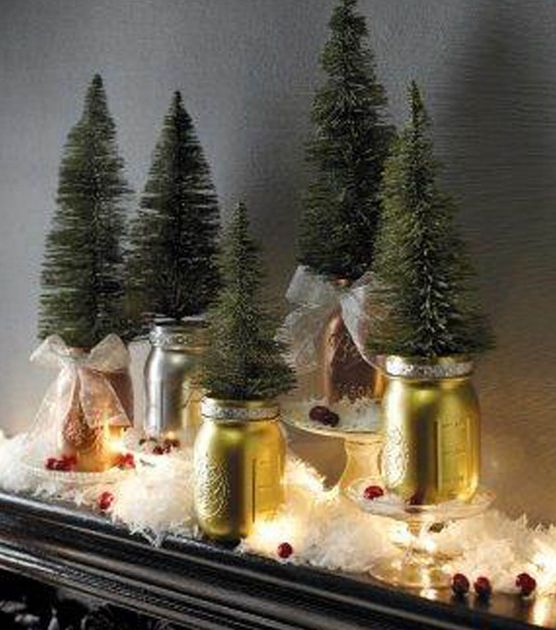 Get your home ready for the holidays with these Metallic Mason Jars! They make for a beautiful mantel display!: Metals Mason, Christmas Diy, Jars Mantels, Sprays Paintings Projects, Mantels Display, Jazz Up Jars, Christmas Decor, Mason Jars, Christmas Ideas