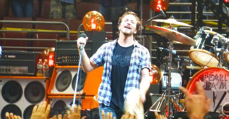 Eddie Vedder in Philadelphia on October 22, 2013