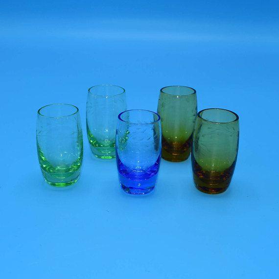 Color Etched Set of 5 Liquor Glasses Vintage Barware Shot
