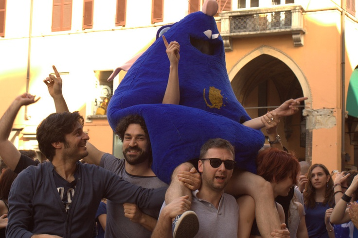 Europe's rat standing ovation . Modena . Flash mob Il ratto d'Europa