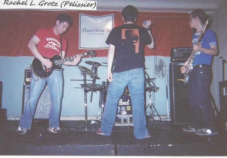 One of mcr's first shows, as you can see there is no Frank to be found!    oh my god rays hair and the blue jeans it's so 2000s and very unemo