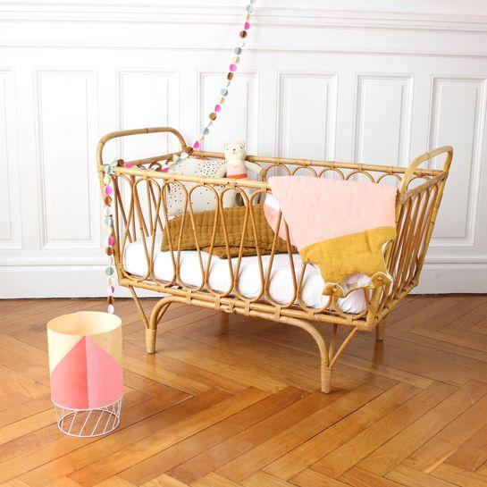 berceau en rotin fresh vintage vintage kunak. Black Bedroom Furniture Sets. Home Design Ideas