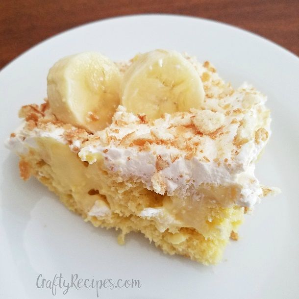 Here's one of my favorite desserts to make for the summer time…banana cream poke cake! It is so easy to make and is always a crowd pleaser. Ingredients: 1/3 of a box of Vanillawafers 2 boxes of instant banana cream pudding (3.4 oz) Cool whip (8oz) Yellow cake mix Directions: Prepare the yellow cake mix …
