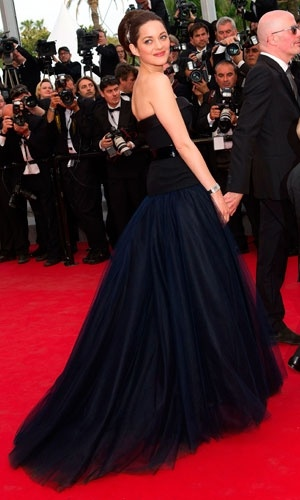 Marion Cotillard in a black Christian Dior #cannes #filmfestival #Dior #HauteCouture #Couture #film ####
