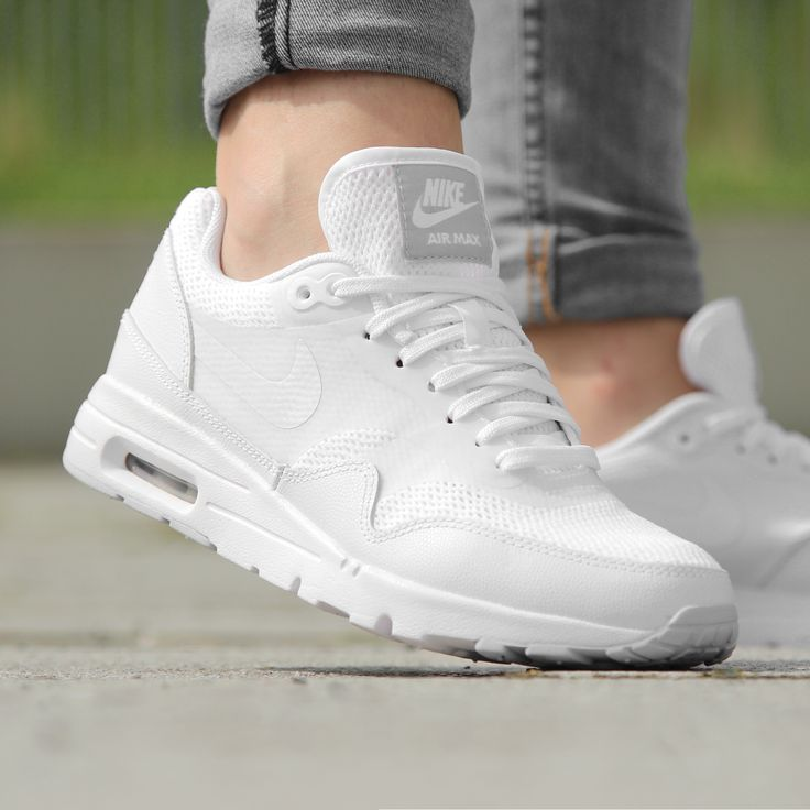 https://www.sooco.nl/nike-air-max-1-ultra-essential-witte-lage-sneakers-27674.html