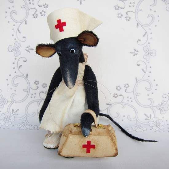 Sewing kit rat-nurse Nonna By Antonina Shantts - Bear Pile