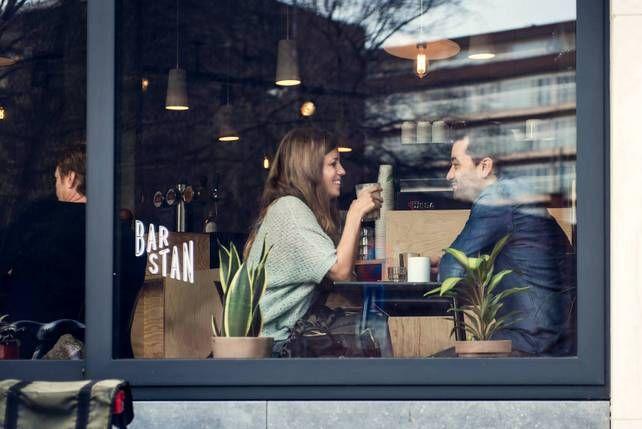 Kroegentocht: 25 cafés met een verhaal - bar stan