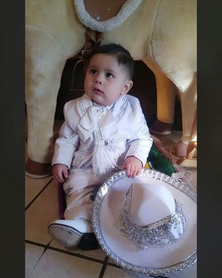 Baby Mariachi Bautiso Traje de Mariachi para niño Mariachi kid Baptism Baptism outfit White outfit Mexican traditional outfit Fiesta Mexicana Charro Baby Charro Baby Mariachi