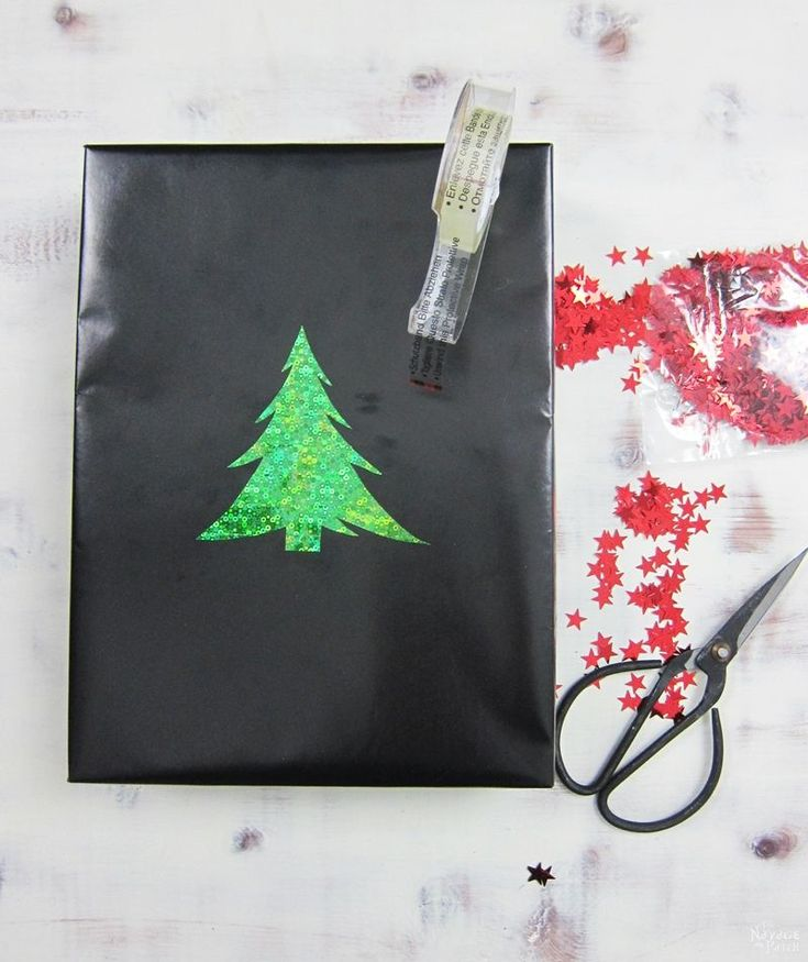 Fun and Stylish Christmas Gift Wrapping Ideas | DIY Christmas Gift Wrapping Ideas | Easy and Budget Friendly Gift Wrapping | Creative Gift Wrapping Ideas | Chalkboard Gift Wrap | Creative Gift Topper Ideas | DIY Christmas Gift Toppers | DIY Christmas Crafts | #DIYChristmas #DIYGifts #CreativeGiftWrapping #DIYChristmasCrafts #Christmascrafts #Christmas | www.TheNavagePatch.com