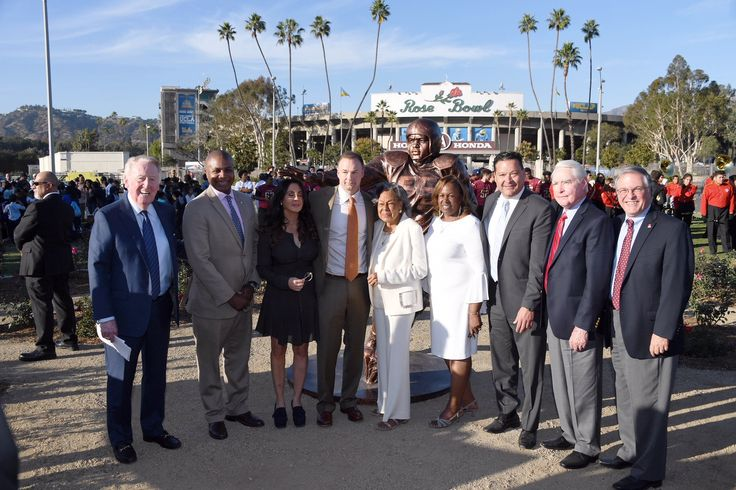 A statue honoring Jackie Robinson was unveiled at the Rose Bowl Stadium today. The event was hosted by Vin Scully.
