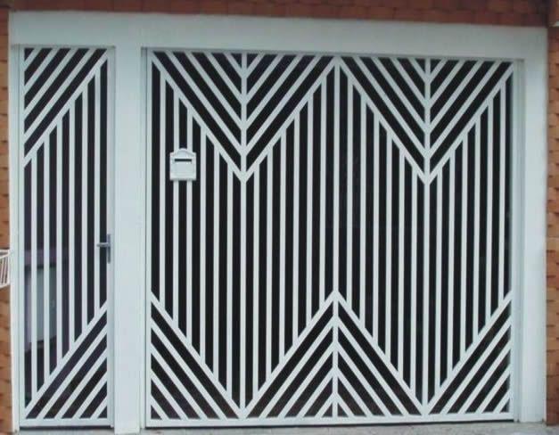 Portão de Ferro - 018  O portão deve seguir o estilo da fachada. Se você adotou um estilo moderno, as linhas do portão devem manter o mesmo visual. Os portões são produzidos em ferro, com durabilidade, resistência e beleza que seu projeto exige.
