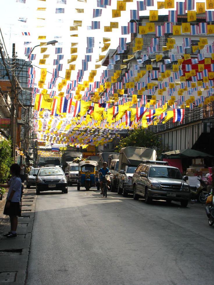 Heading to celebrate the King of Thailand / Bangkok, Thailand.